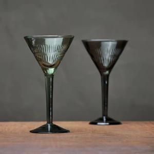 Mila Cocktail Glass – Emerald